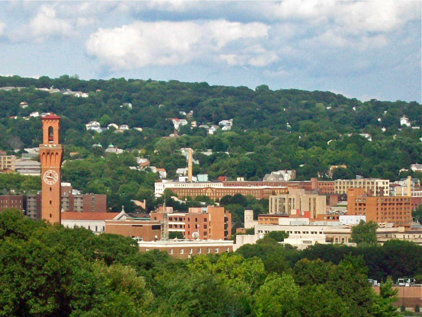 """""""Western approach to Waterbury, CT"""" by Daniel Case (licensed under CC BY 2.0)"""